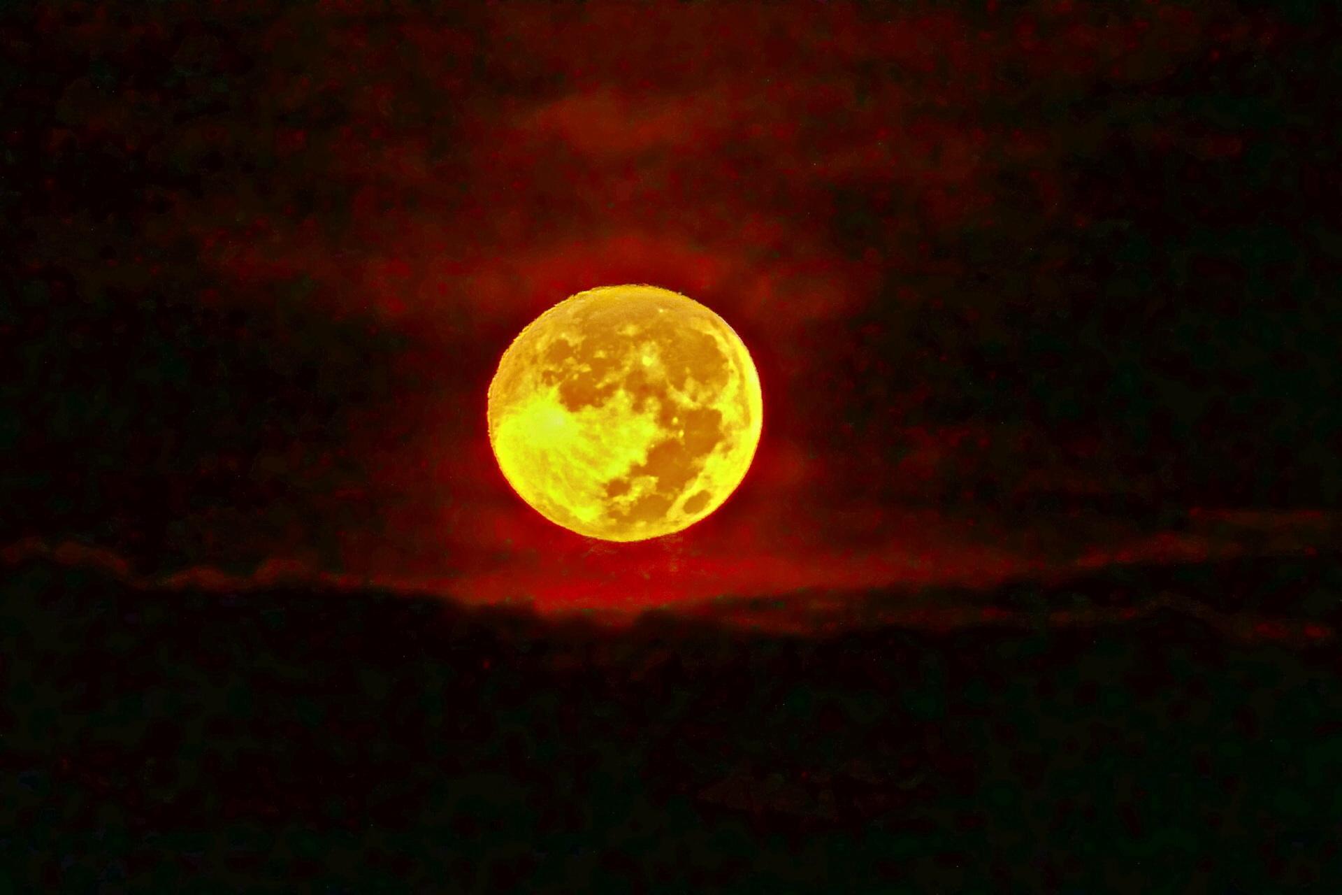月の画像 p1_3