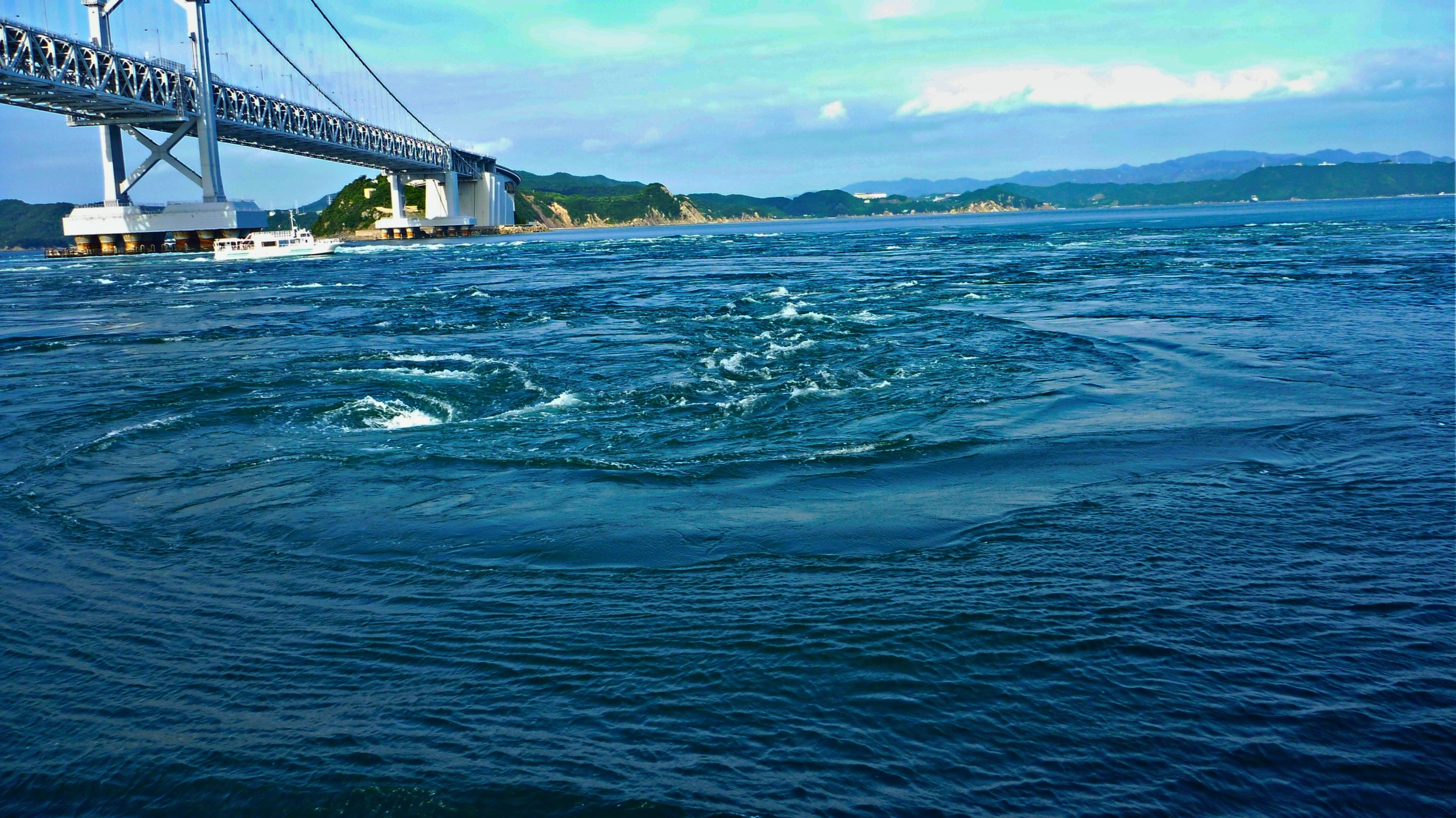 鳴門海峡の渦潮 鳴門海峡の渦潮 去年9月23日の満月 スーパームーンと渦潮・鳴門の海峡