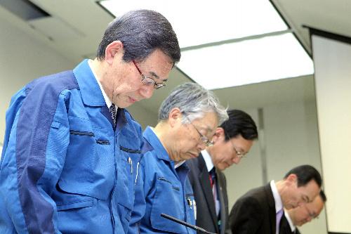 枝野前長官「東電社長、全面撤退申し出た」